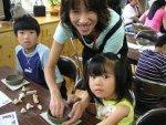 葛飾区の小学校で親子陶芸